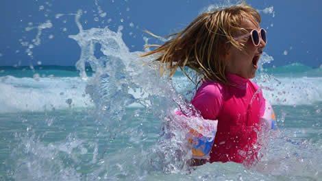 海の女の子