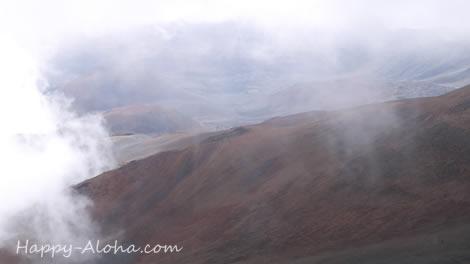 ハレアカラの山頂へ