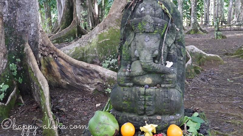 菩提樹の中のガネーシャ