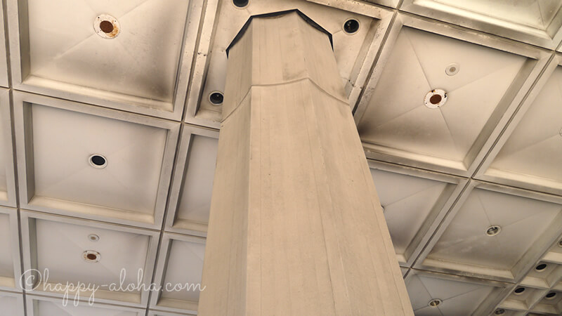 ハワイ州庁舎の八角形の柱