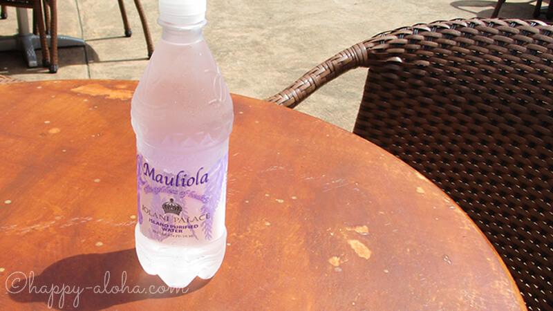 水のボトルのデザインがイオラニ宮殿