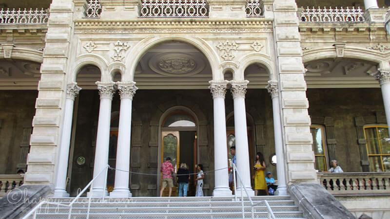 イオラニ宮殿入り口