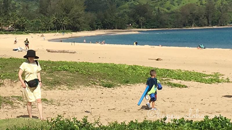 ハナレイのビーチにて
