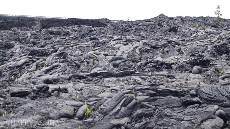 ドロドロの溶岩が固まったあと