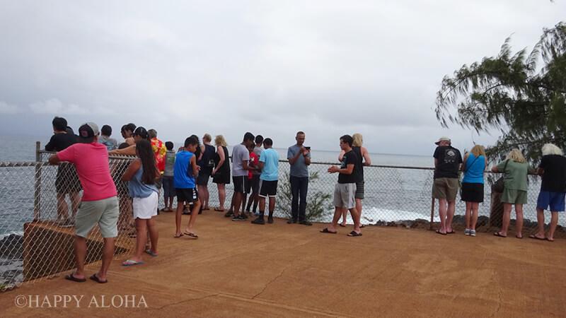 潮吹き穴パークの観光客