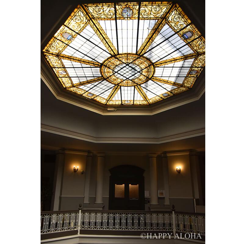 天井のガラス